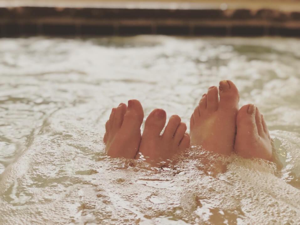 Clean hot tub
